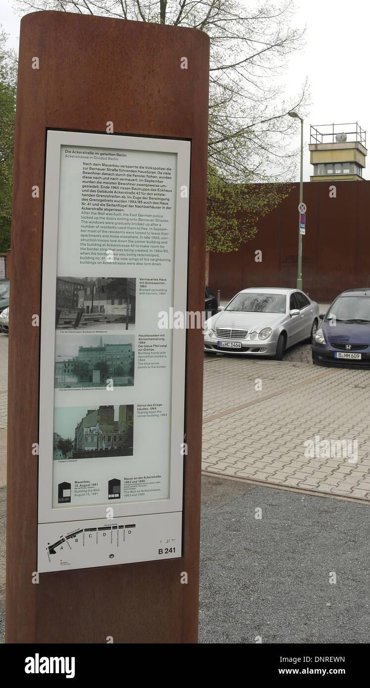 Berliner Mauer In Den 1960er Jahren Stockfotos Und Bilder Kaufen Alamy