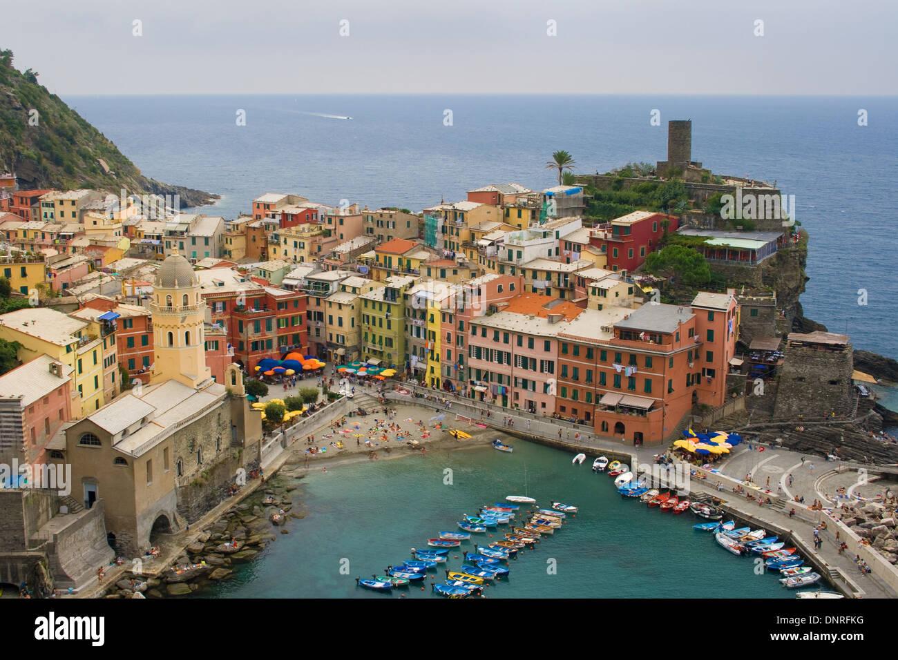 Vernazza, einer der fünf Dörfer der Cinque Terre, Italien. Stockfoto