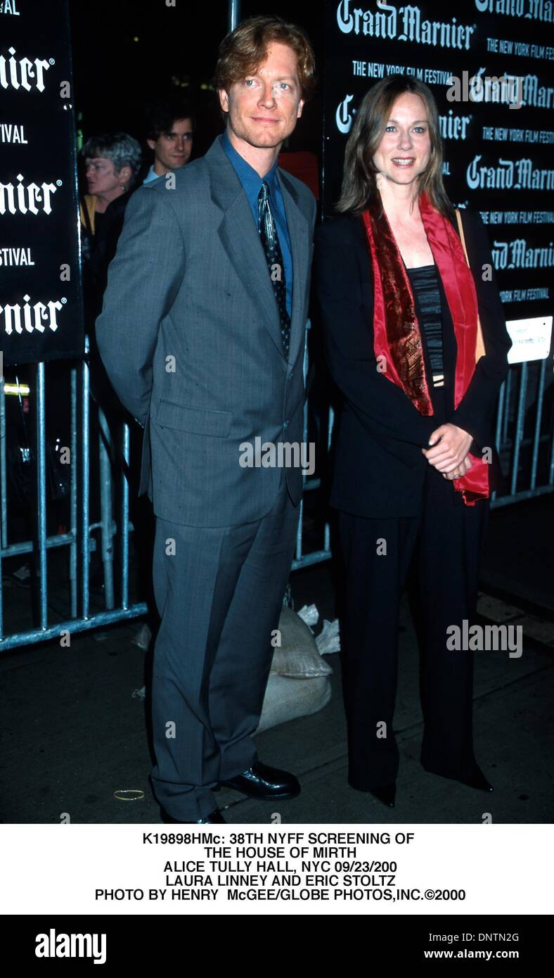 13. Juli 2001 - K19898HMc: 38. NYFF SCREENING. HAUS BELLOMONT. ALICE TULLY HALL, NEW YORK 09/23/200.LAURA LINNEY UND ERIC STOLTZ. HENRY McGEE / 2000 (Kredit-Bild: © Globe Photos/ZUMAPRESS.com) Stockbild