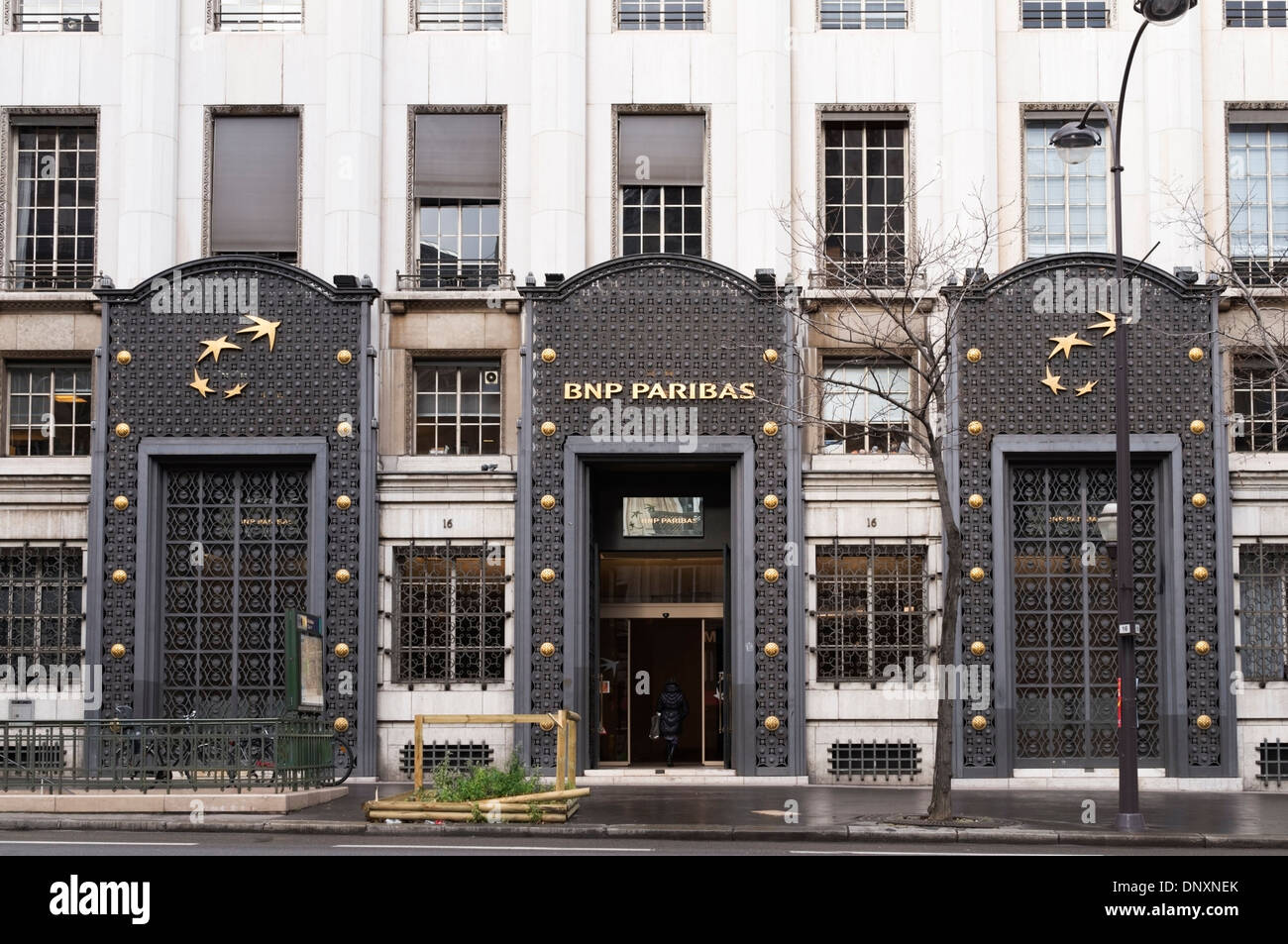 Paris, Frankreich - BNP Parisbas Bank Hauptsitz am Boulevard des saufen Stockbild