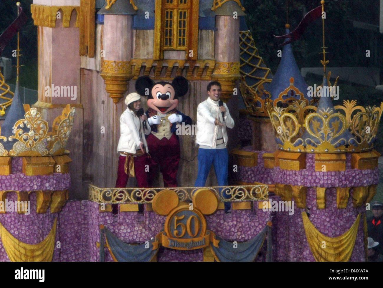 2. Januar 2006; Pasadena, Kalifornien, USA; Die Disney-Float-Antriebe hinunter Colorado Boulevard während der 117. Stockfoto