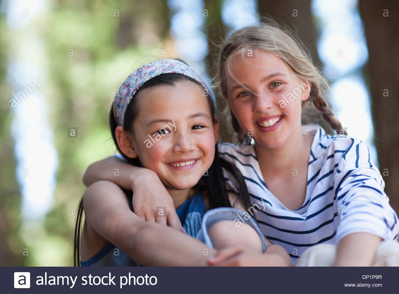 Zwei Mädchen, Porträt Stockbild