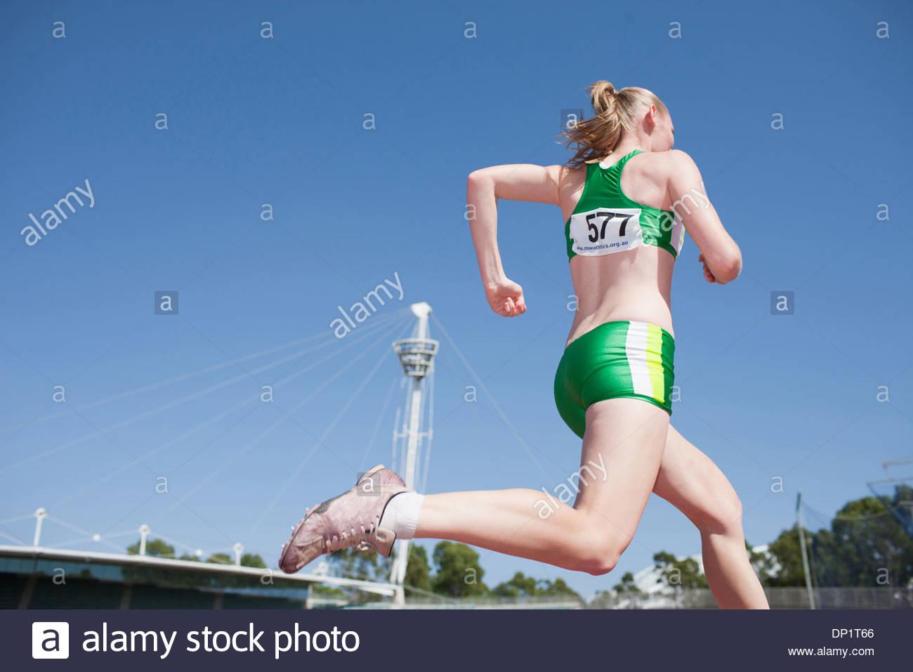 Läufer auf dem richtigen Weg Stockbild