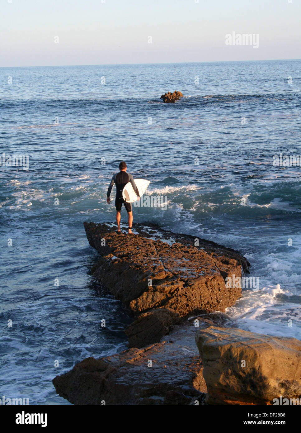 21. Mai 2006; Laguna Beach, Kalifornien, USA; Eine Surfer ...  21. Mai 2006; L...