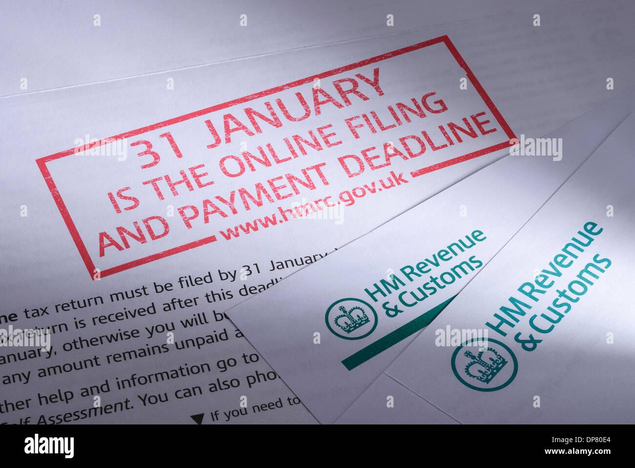 HMRC Self Assessment Online-Einreichung Frist Papierkram Stockbild