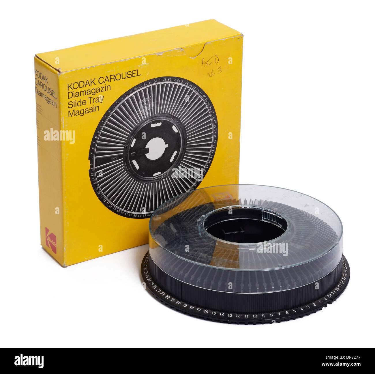 Kreisförmige Einschubfachs Kodak Carousel und den Kasten für einen Diaprojektor Stockbild