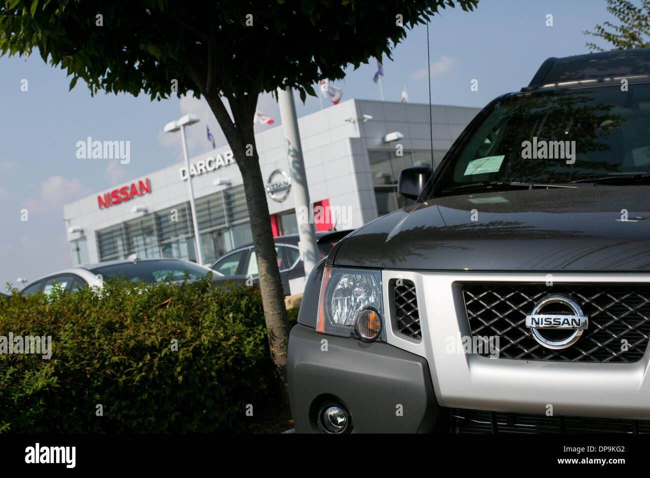 Nissan Händler viel in vorstädtischen Maryland. Stockbild