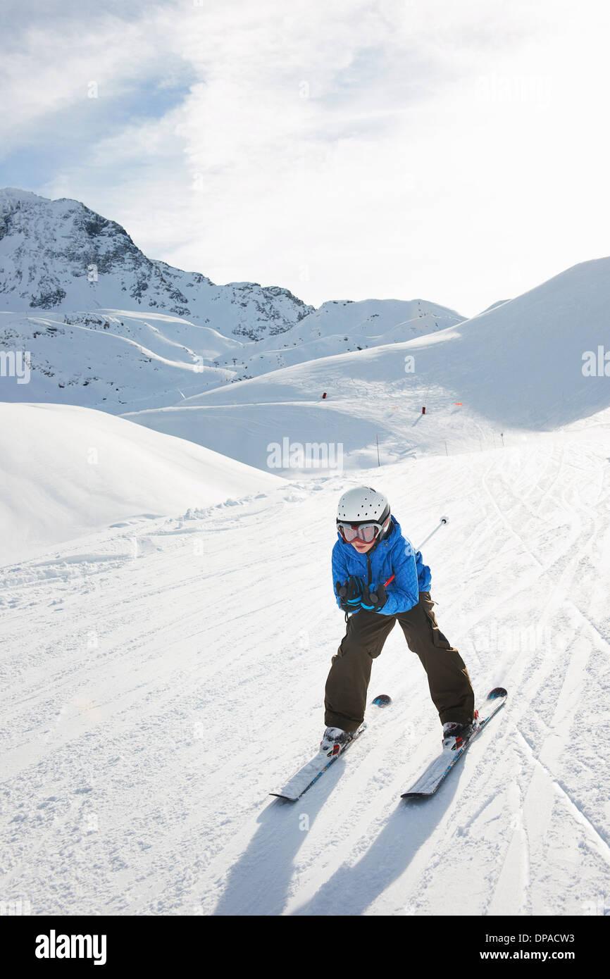 Junge, Abfahrt, Les Arcs, Haute-Savoie, Frankreich Stockbild
