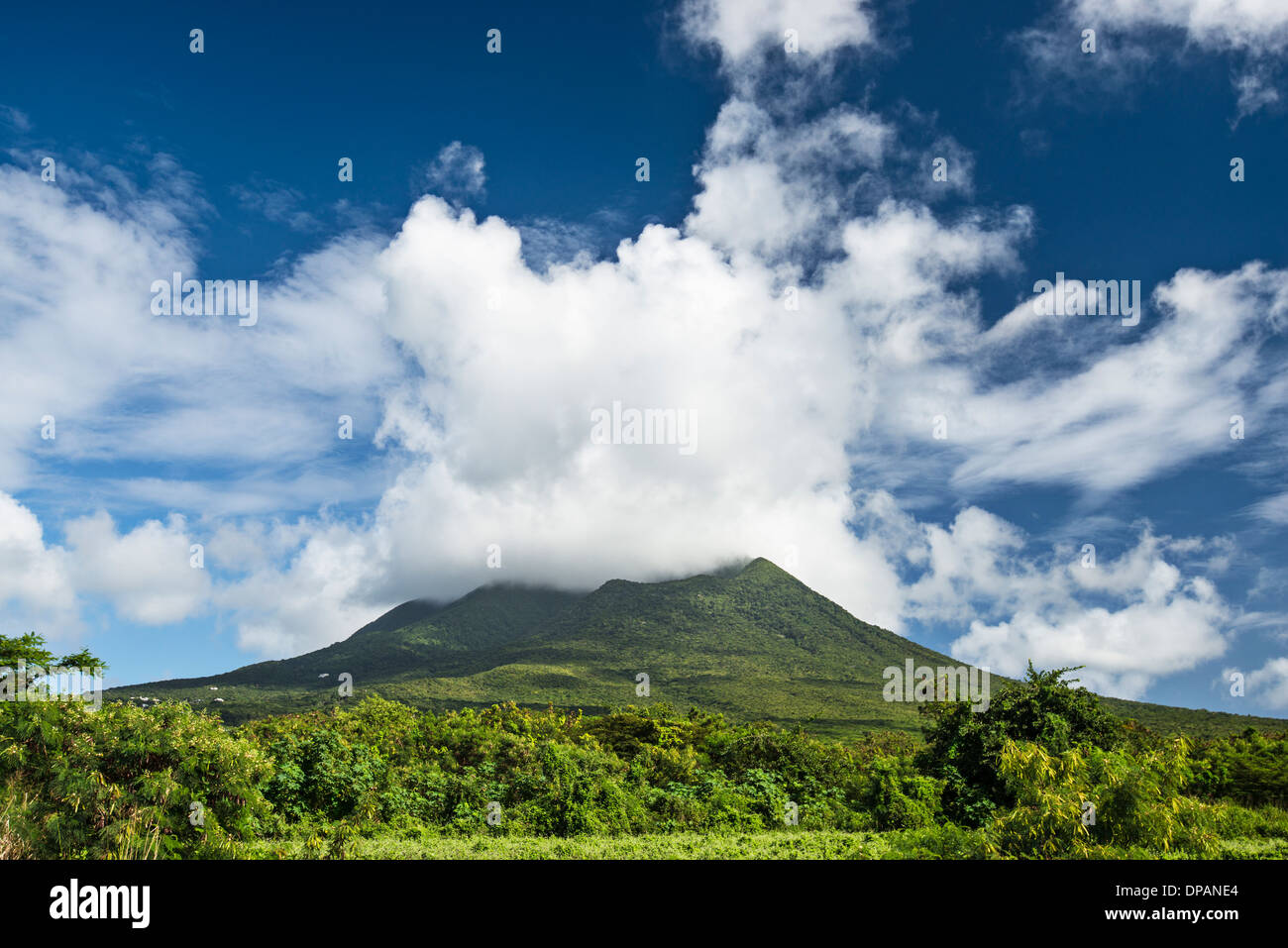 Nevis Peak, ein Vulkan in der Karibik. Stockbild