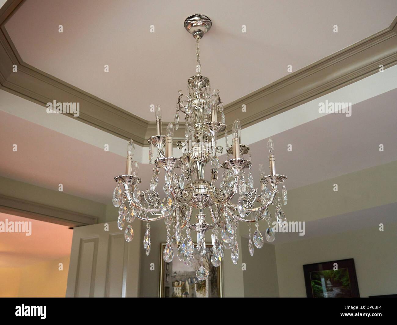 Kronleuchter Ohne Kristall ~ Silber und kristall traditionellen kronleuchter stockfoto bild