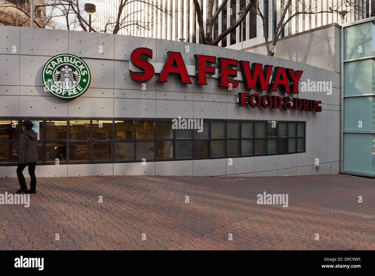 Safeway Supermarkt Zeichen - Arlington, Virginia, Vereinigte Staaten Stockbild