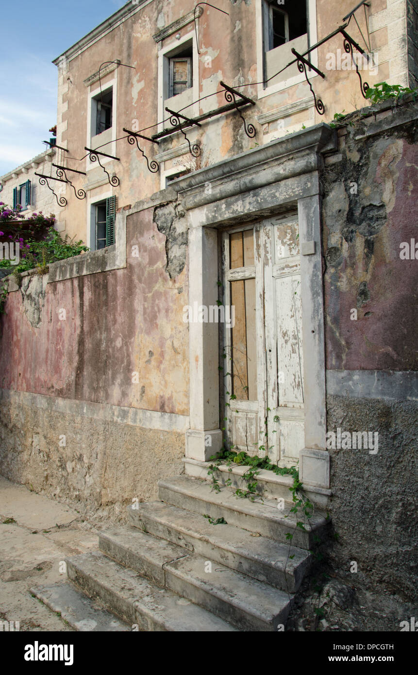 Eine alte Tür Stockbild