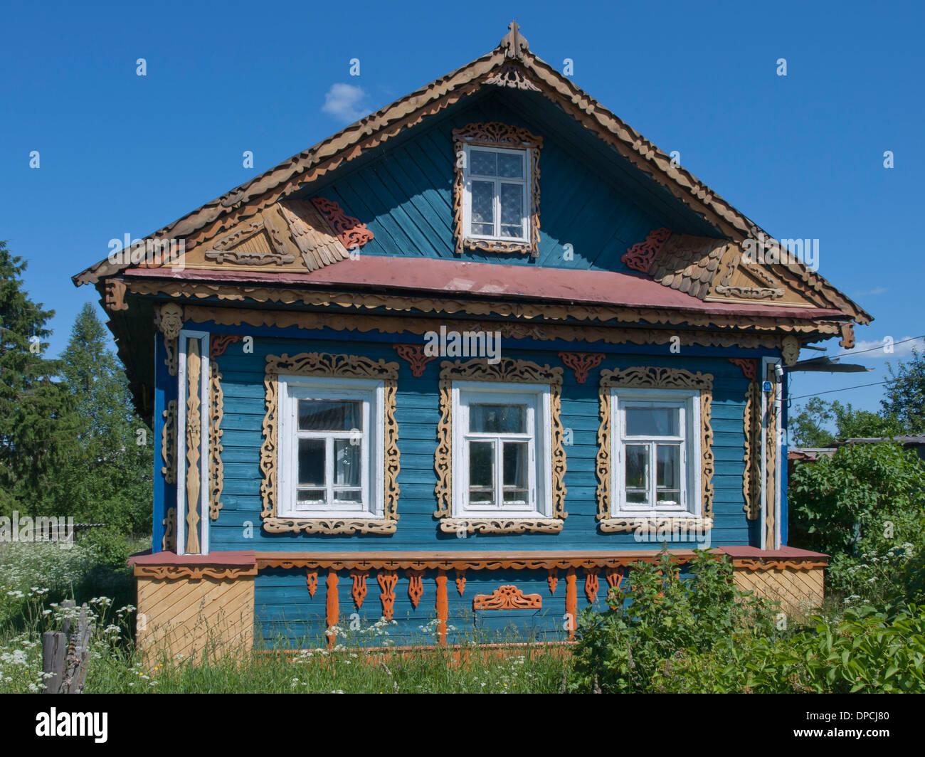 holzhaus in dem kleinen dorf goritzy goritsy russland einen stopp auf der moskau st. Black Bedroom Furniture Sets. Home Design Ideas