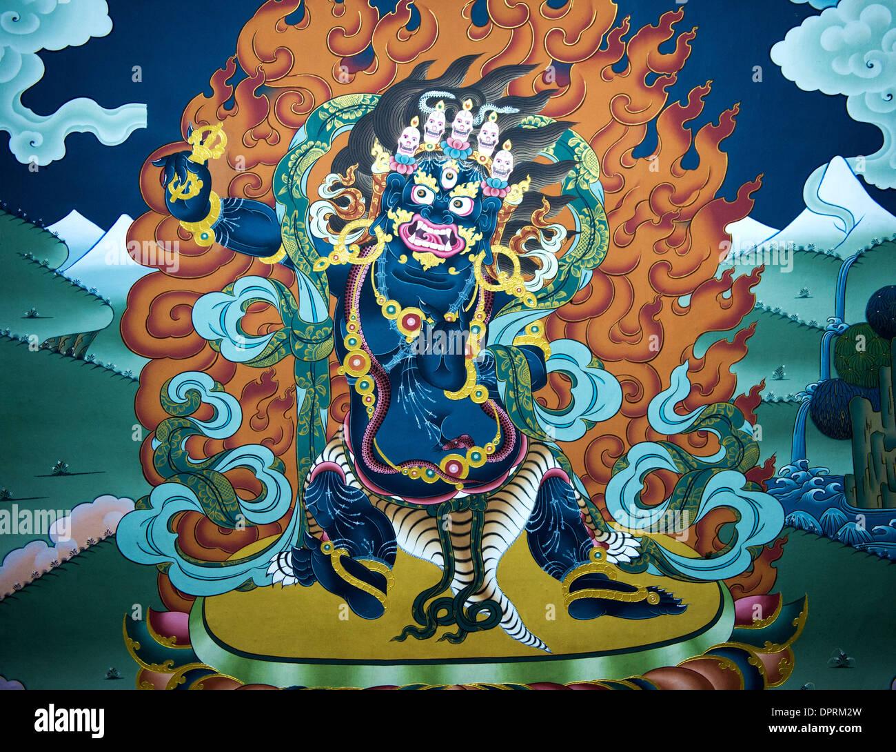 Wandmalereien von Motiven aus der buddhistischen Mythologie in der Trashi Chhoe Dzong oder Thimphu Dzong, Thimphu, Bhutan Stockbild
