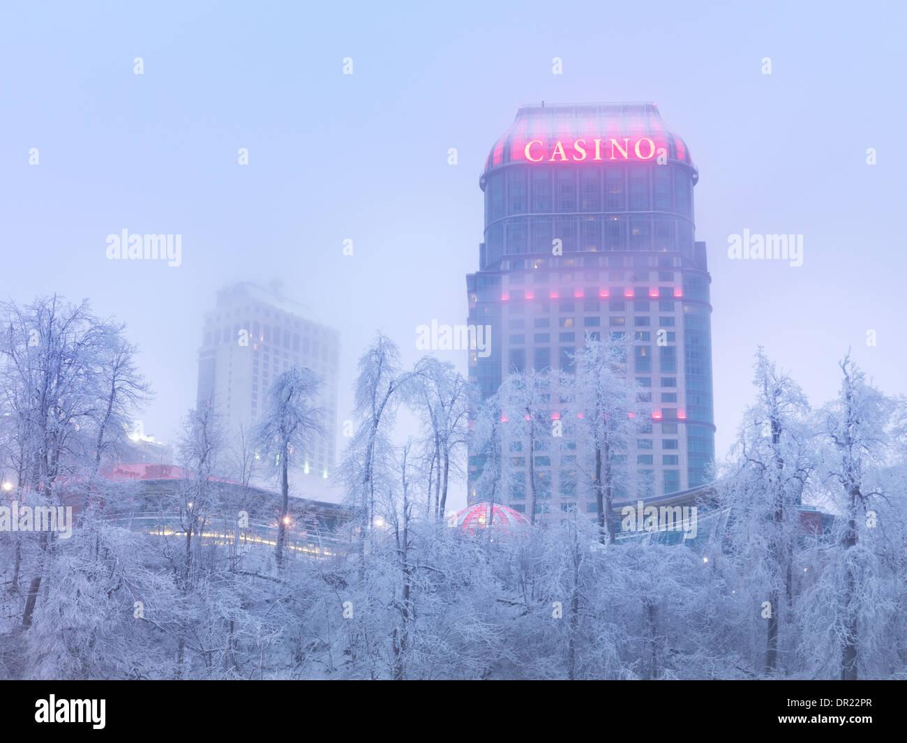 Winter-Landschaft der Fallsview Casino, Niagara Falls, Ontario, Kanada. Stockbild