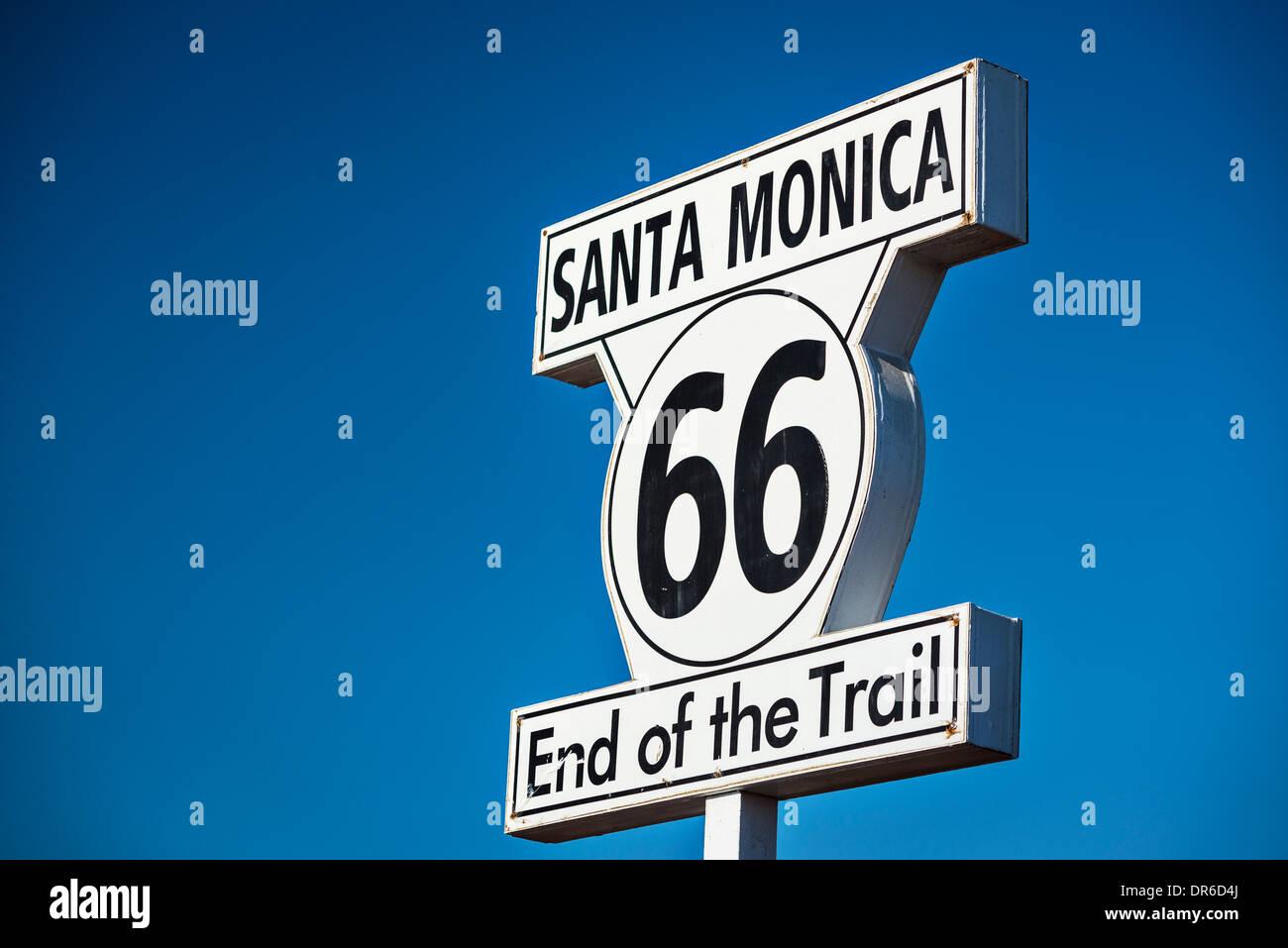 Route 66 Ende der Trail Straßenschild in Los Angeles, Kalifornien. Stockbild