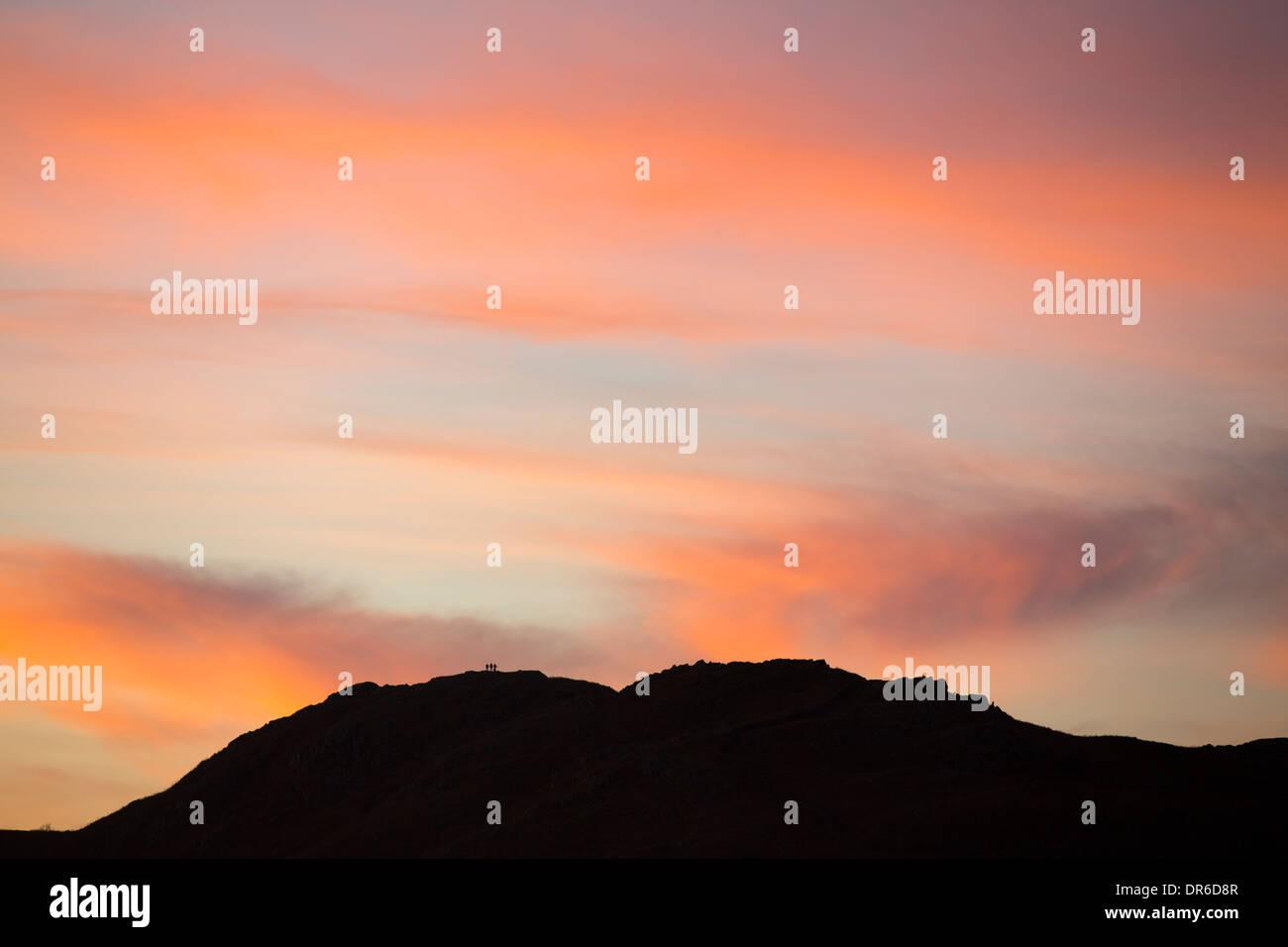 Sonnenuntergang über der Fairfield im Lake District, Großbritannien. Stockbild