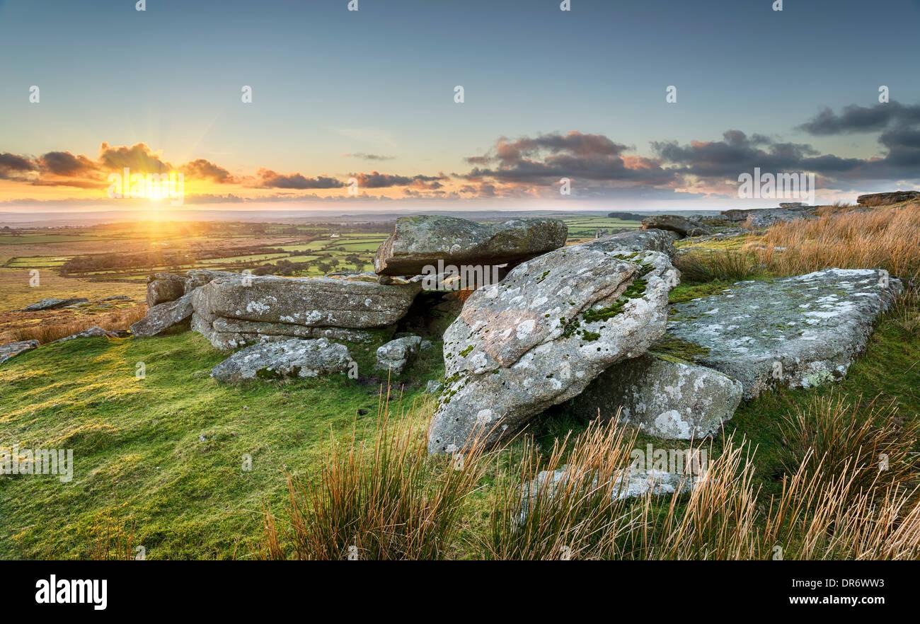Sonnenuntergang am Alex Tor auf Bodmin Moor in der Nähe von St Breward in Cornwall Stockbild