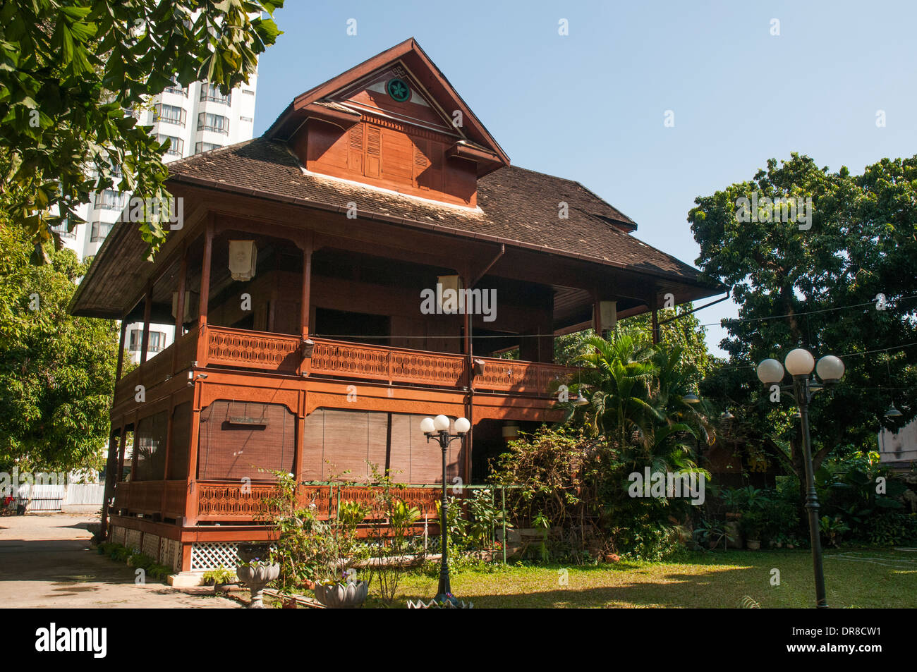 Lanna stockfotos lanna bilder alamy for Traditionelles thai haus