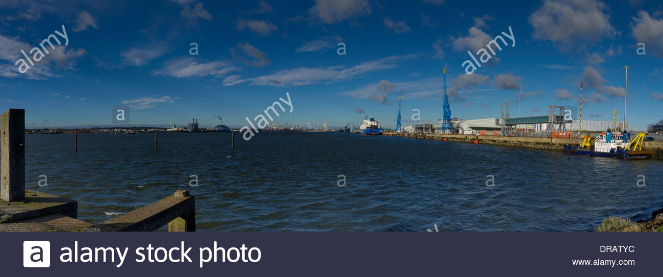 Southampton Container dockt aus England Mayflower Park Panorama Hampshire Stockbild