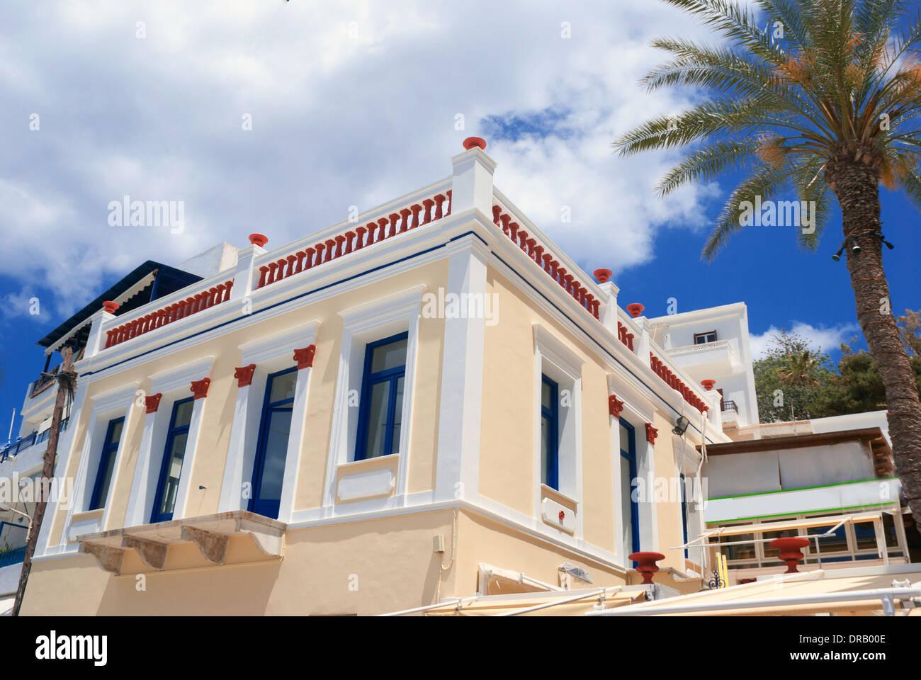 Altes traditionelles griechisches haus auf der insel naxos for Traditionelles haus