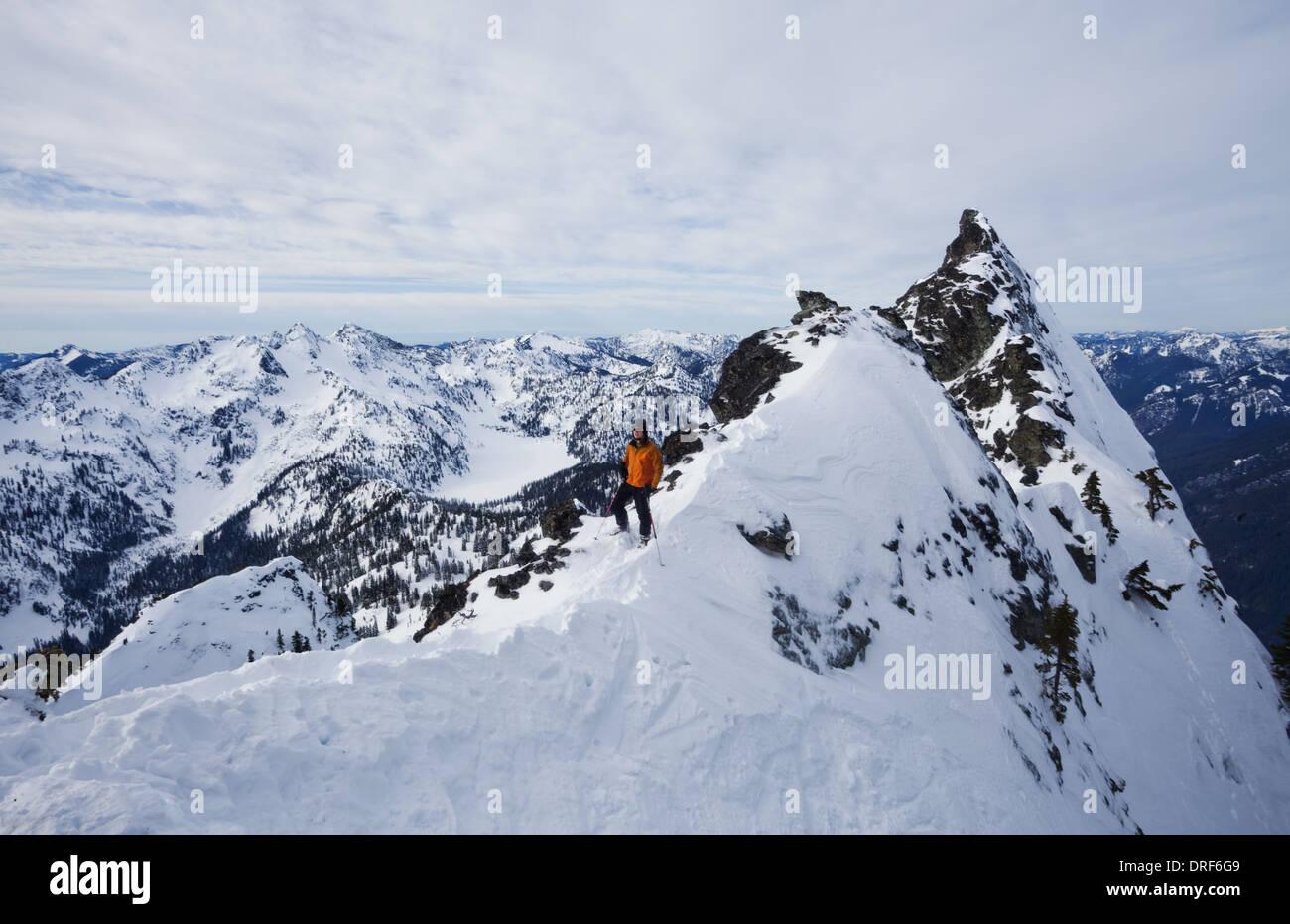 Snoqualmie Peak Washington State USA. Der Slot Snoqualmie Peak Cascades Ranges USA Skifahrer Stockbild