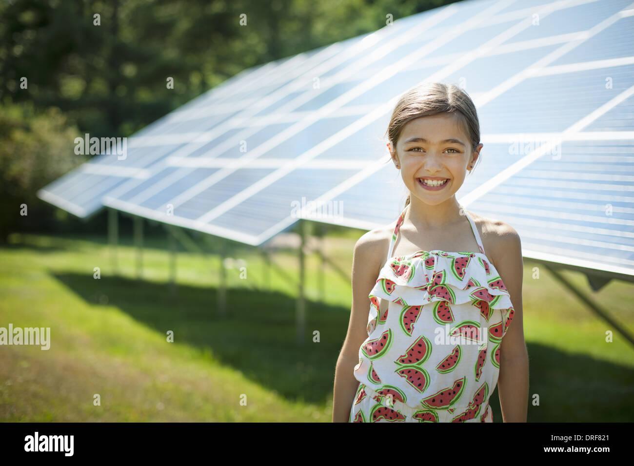 New York State USA Kind an der frischen Luft auf sonnigen Tag Sonnenkollektoren Stockbild