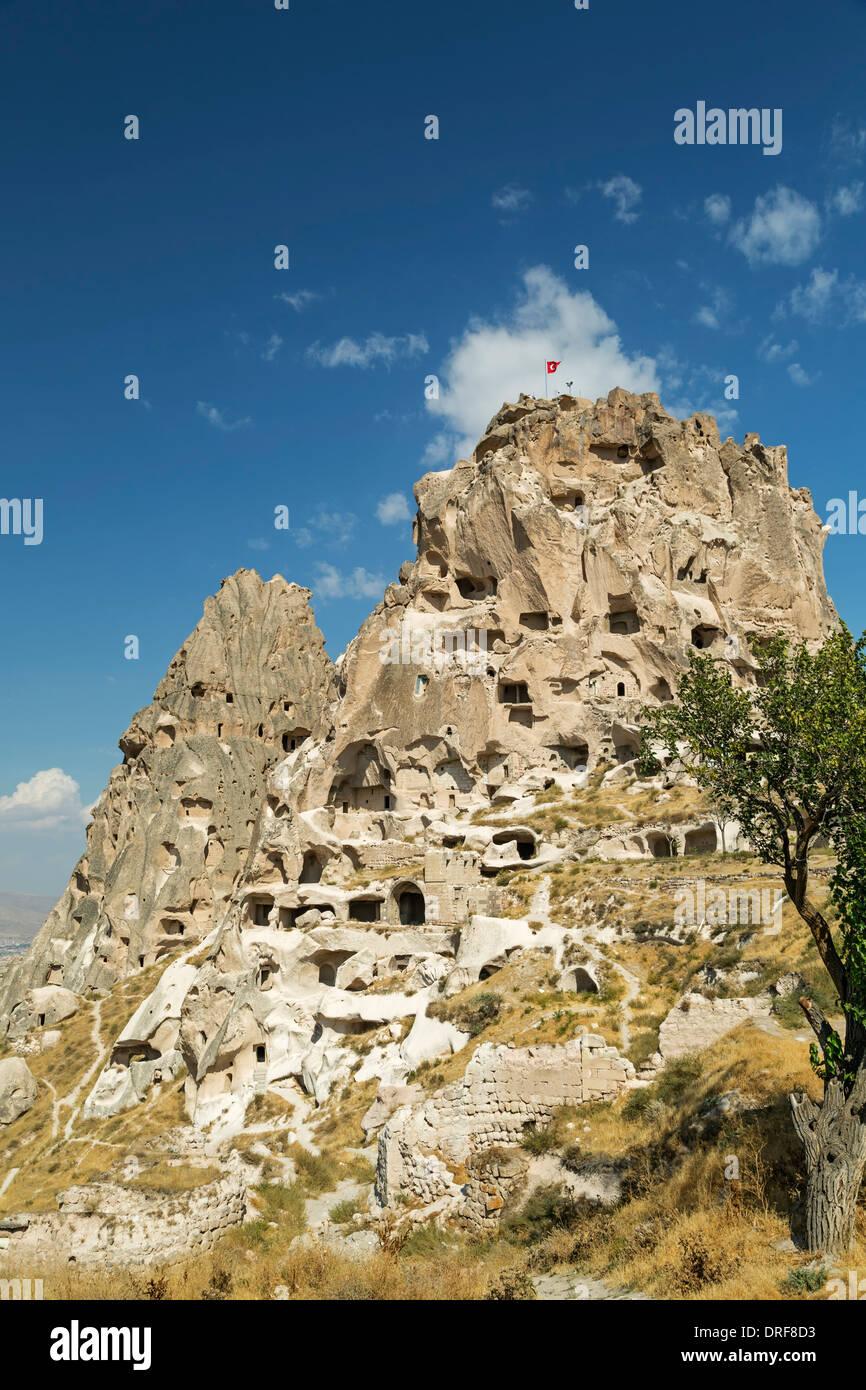 Fee Schornstein und das Schloss, Uchisar, Kappadokien, Türkei Stockbild