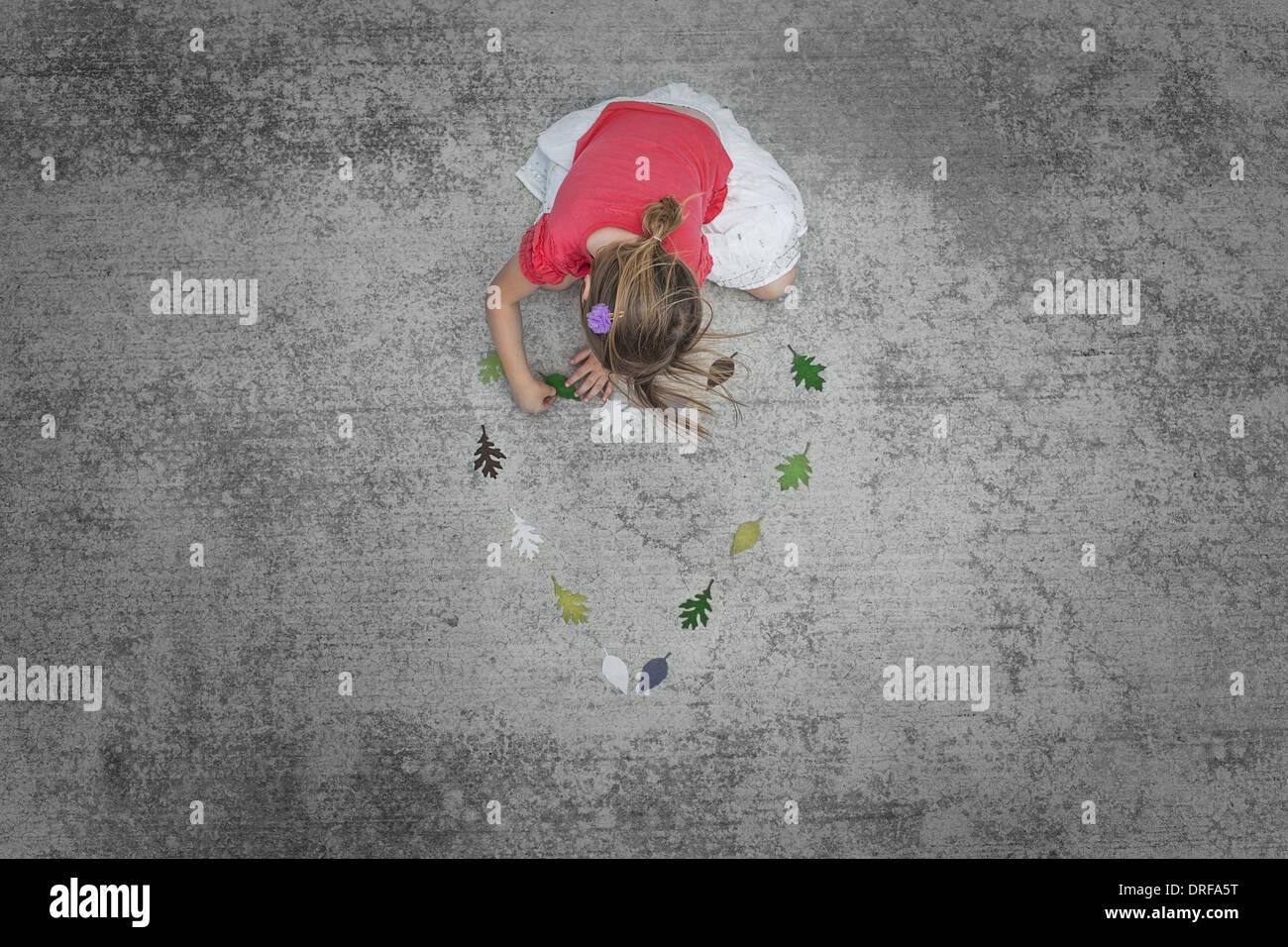 Utah USA Kind zu Fuß entlang der farbigen Blattformen Stockbild
