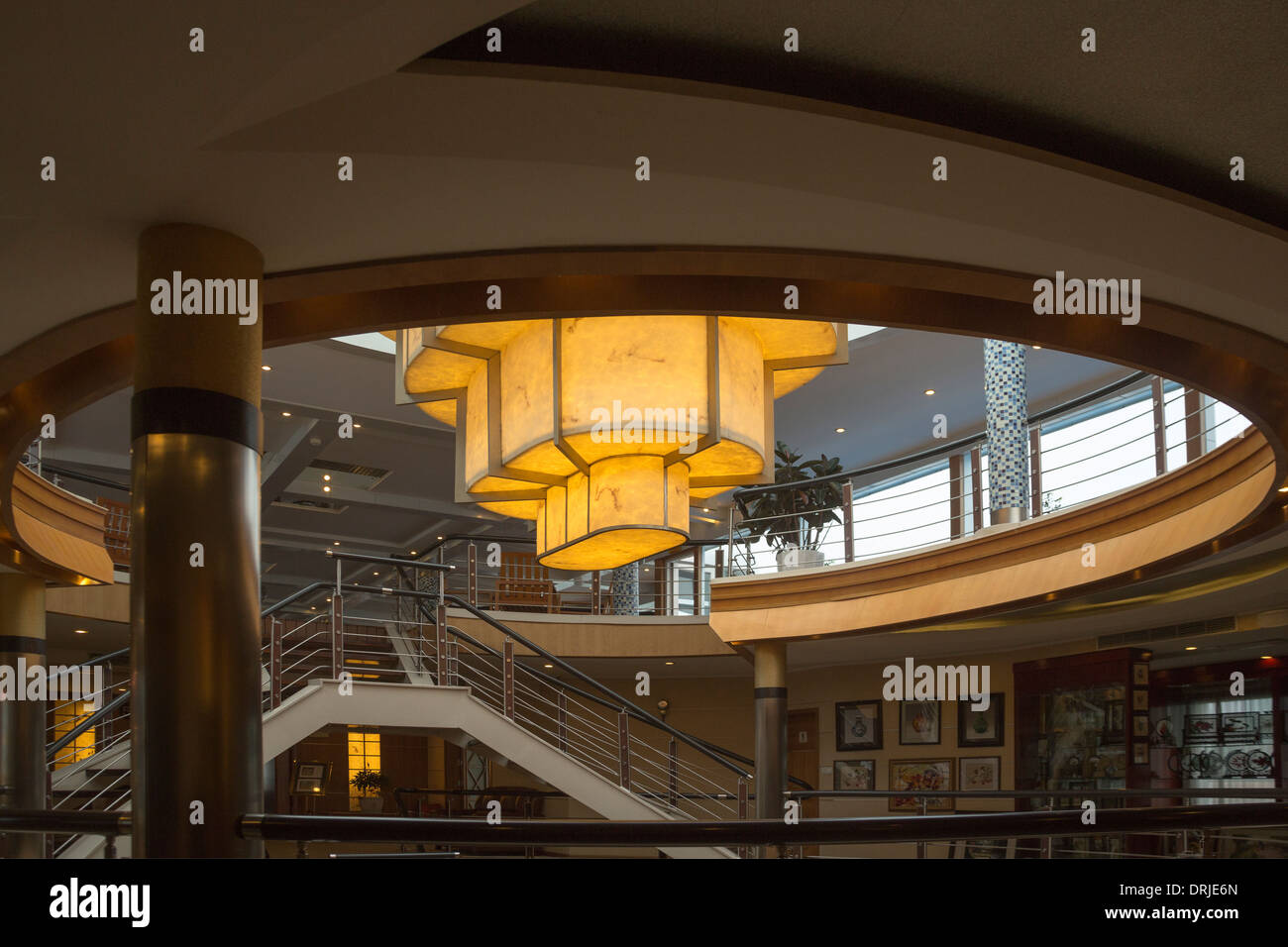Art-Deco-Interieur des Yangtze Cruise Liner China Stockfoto, Bild ...