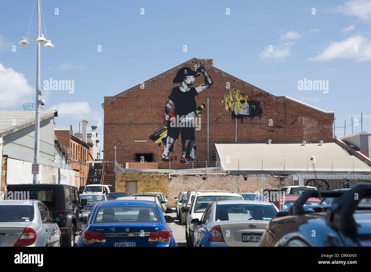 Wandbild oder Graffiti Kunst eines Piraten, an einer Wand in Fremantle, Western Australia. Stockbild