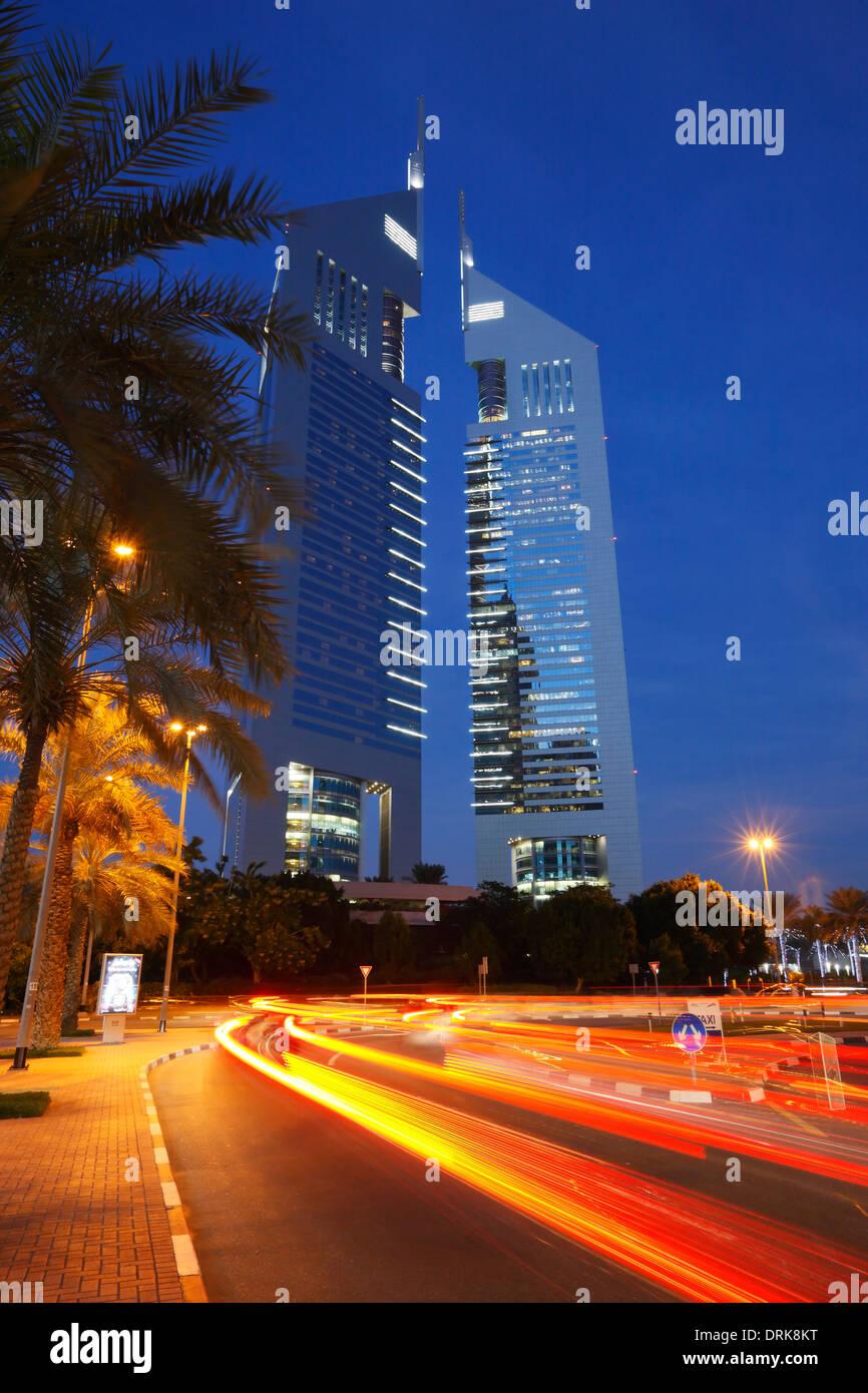 Die Emirates Towers, Dubai, Vereinigte Arabische Emirate. Stockbild