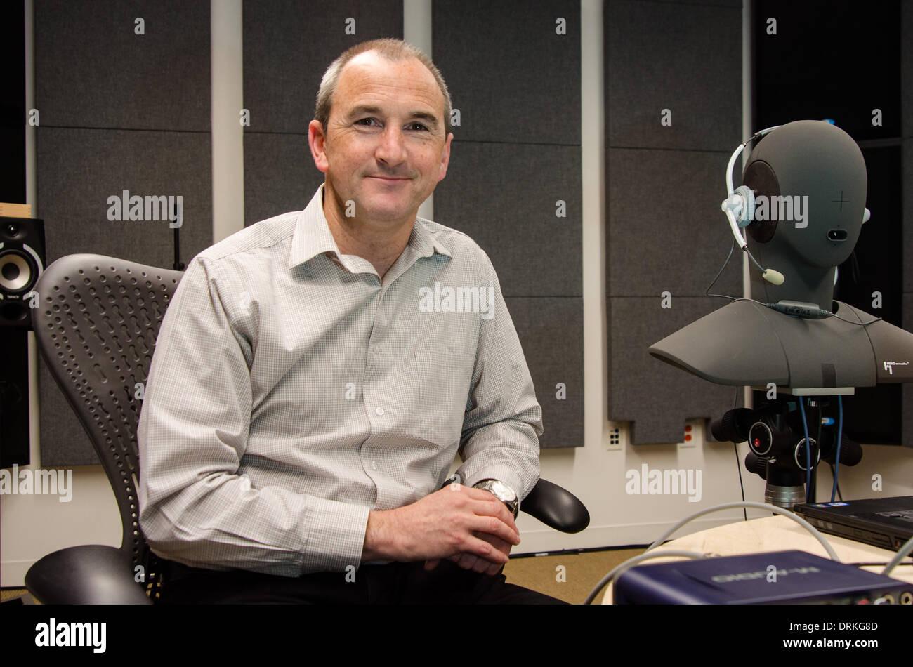 Ehemalige BT-Ingenieur Mike Hollier, jetzt Leiter der Dolby-Voice-Team. Der Audio-Pionier will Telefonkonferenzen Stockbild