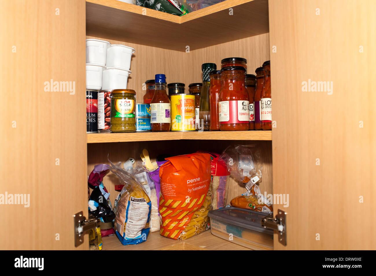 Kitchen Cupboard Stockfotos & Kitchen Cupboard Bilder - Alamy
