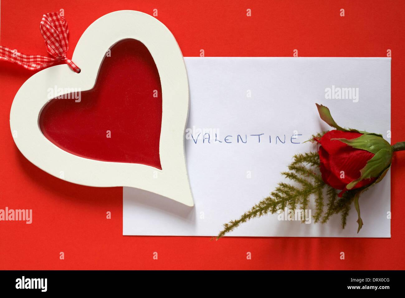 Herz Rahmen und rote Rose mit Valentine Umschlag Karte für ...