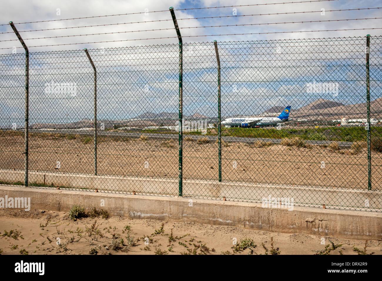 Condor Flugzeug warten abheben am Flughafen Lanzarote Stockbild