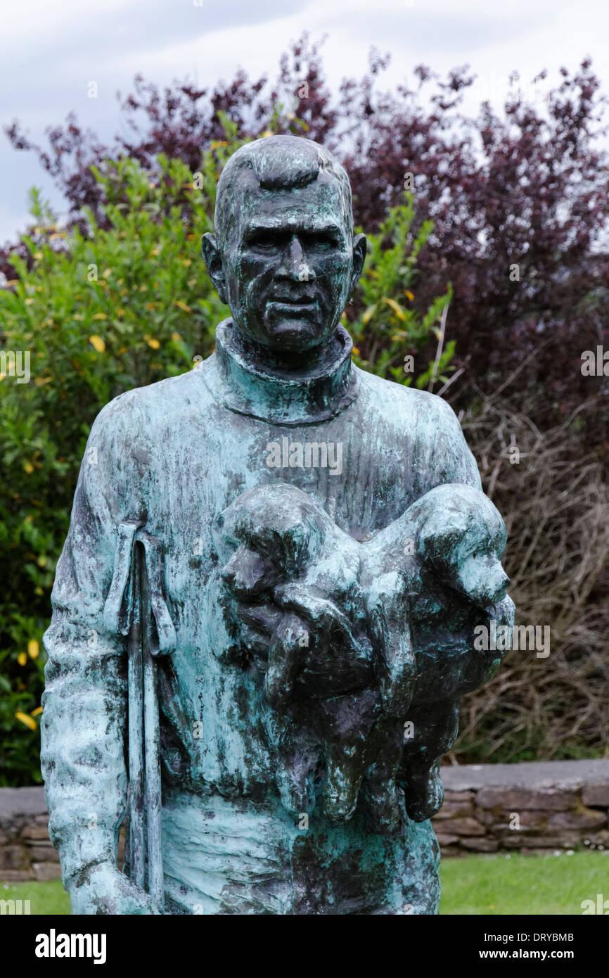 Statue von Antarctic Explorer Tom Cream in Anascaul, County Kerry, Irland Stockbild