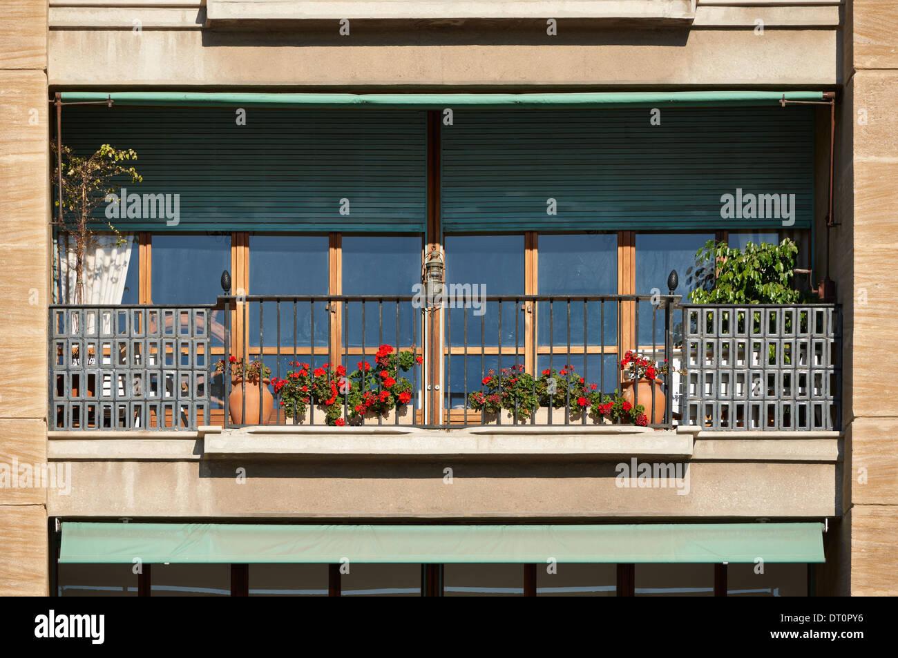 Architektur Detail, klassischen Balkon aus Südfrankreich, Côte d ' Azur Stockbild