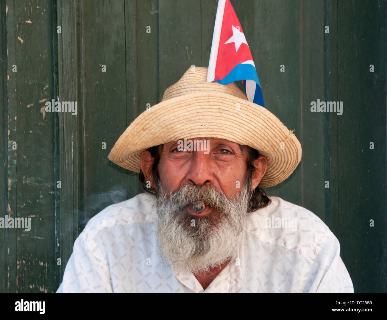 Porträt eines lokalen kubanischen Mann, Habana Vieja, Havanna, Kuba, Karibik Stockbild