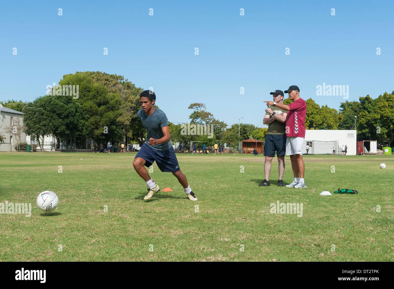 Fußballtraining am Groote Schuur High School, Cape Town, Western Cape, Südafrika Stockbild