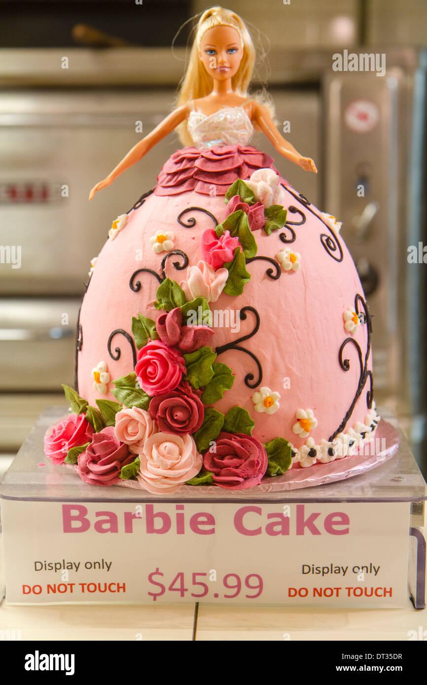 Barbie Kuchen Stockfotos Barbie Kuchen Bilder Alamy