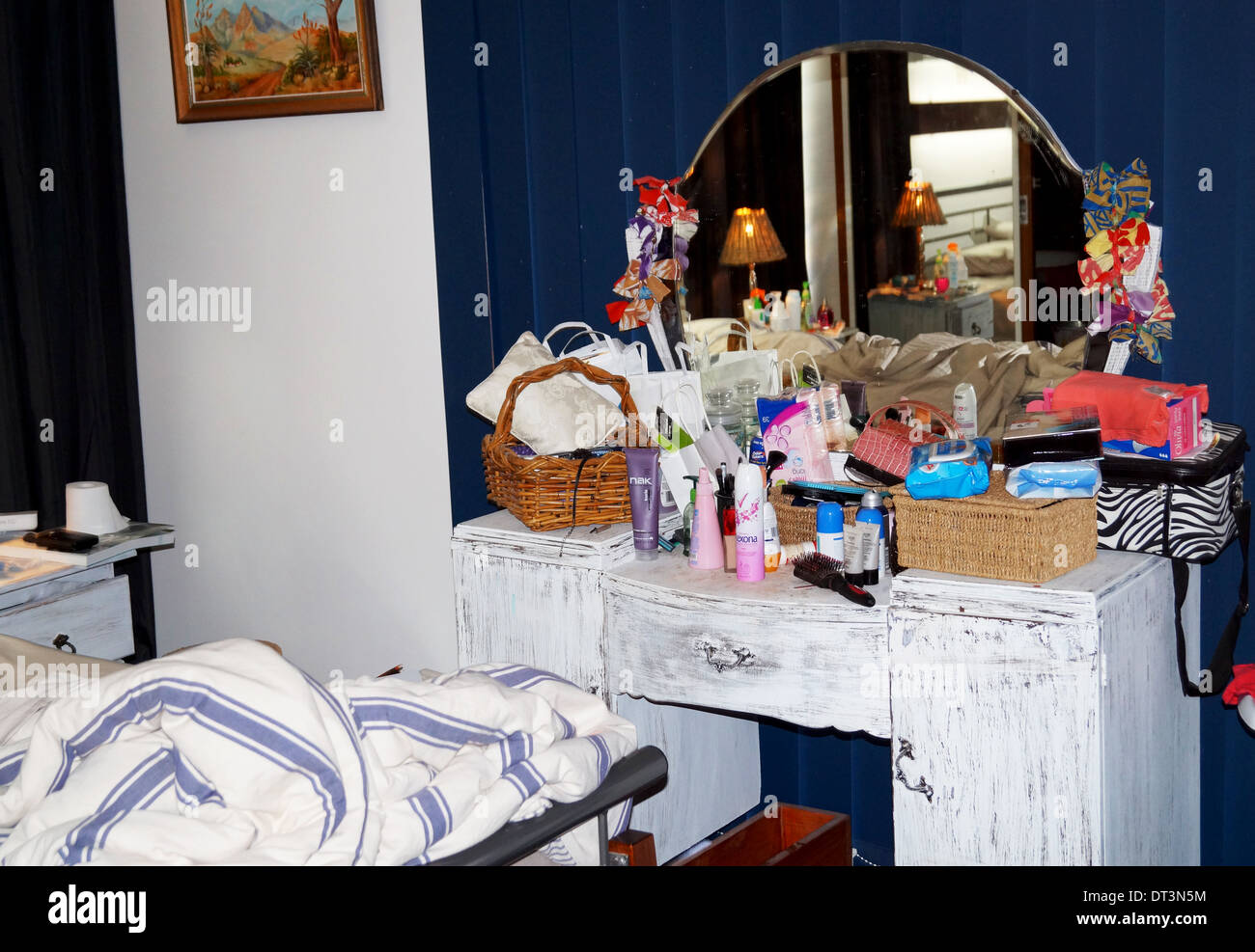 dresser stockfotos dresser bilder alamy. Black Bedroom Furniture Sets. Home Design Ideas