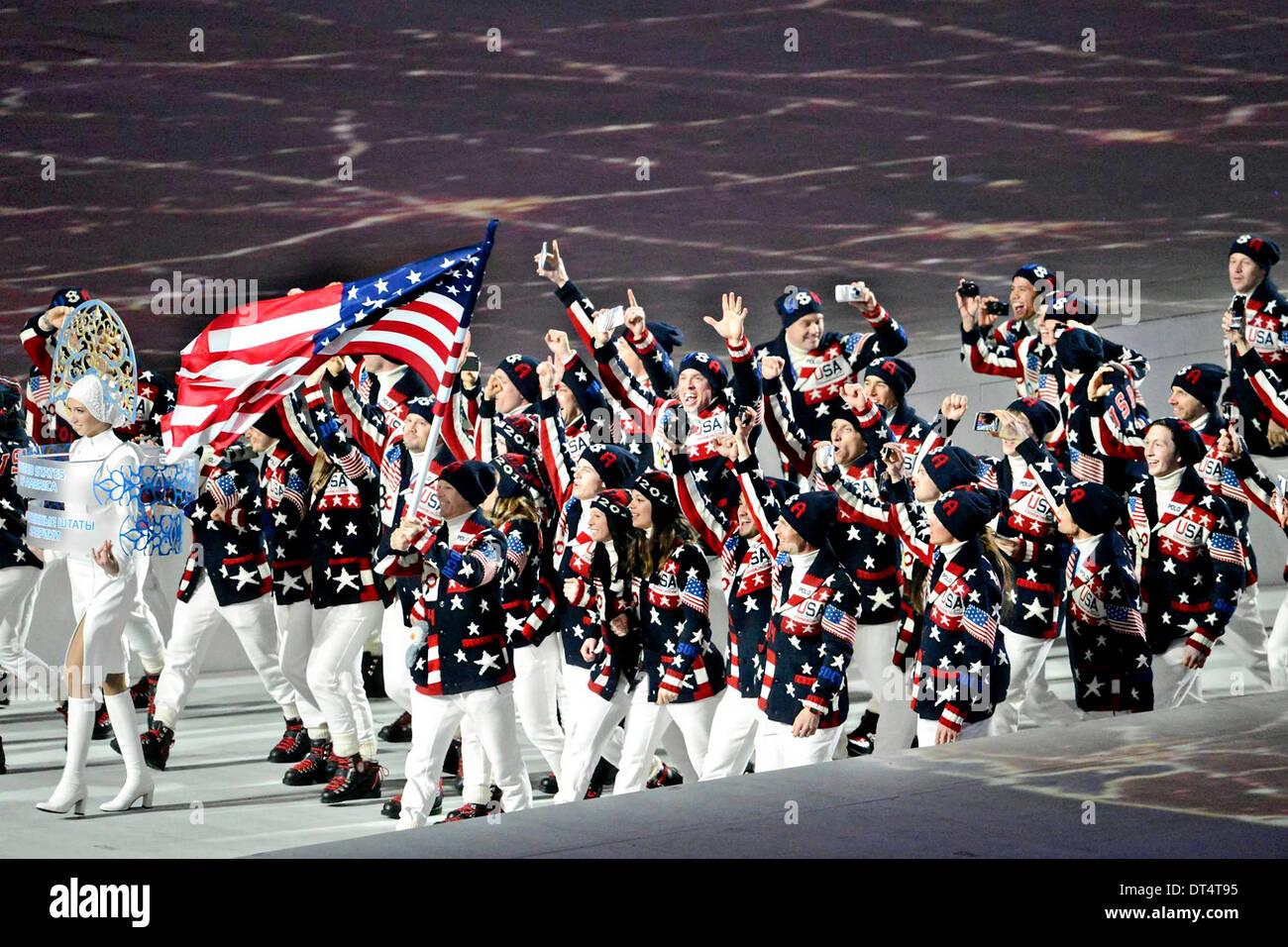 Us Winter Olympia Mannschaft Marschiert Ins Olympiastadion Fisht