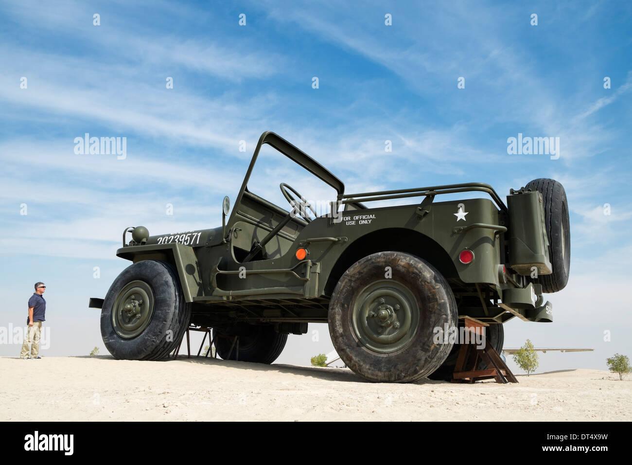 Weltweit größte motorisierten LKW (Willy Jeep) Emirates National Auto Museum außerhalb Abu Dhabi, Vereinigte Arabische Emirate Stockbild