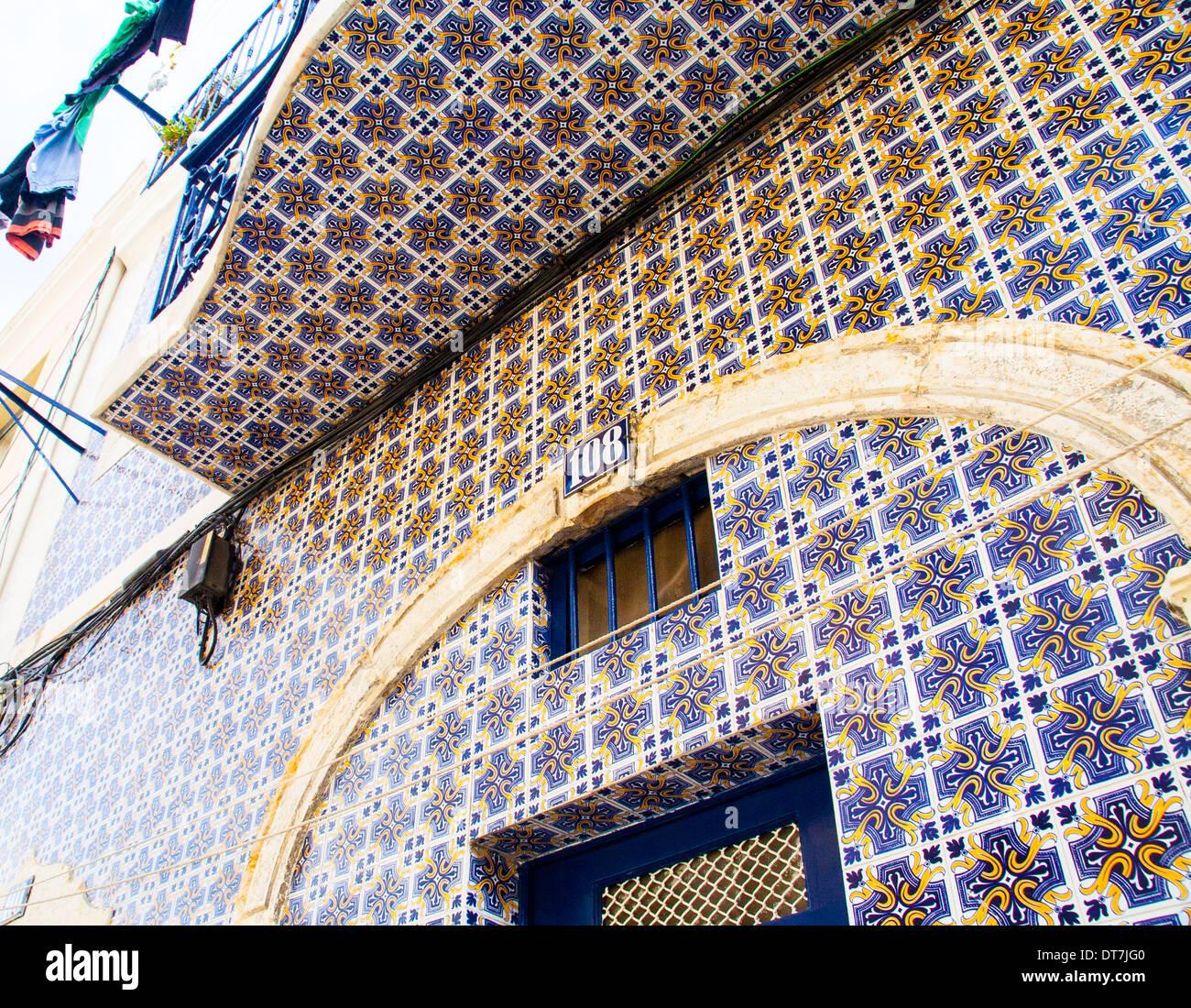Fassade Fliesen Für Ein Haus In Amalfa Lissabon Altstadt Stockfoto - Fassaden fliesen kaufen
