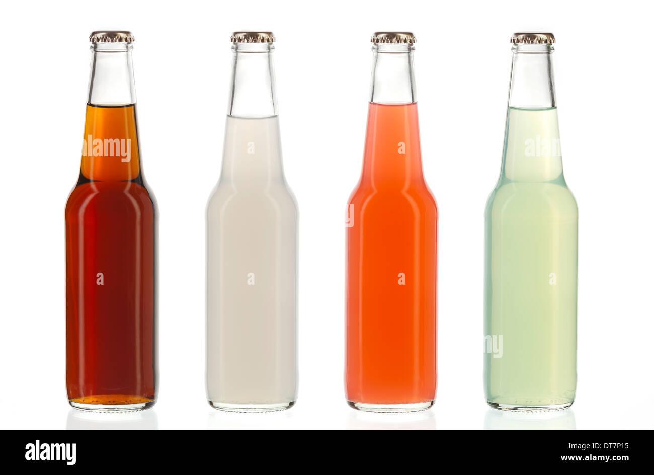 Vier verschiedene Soda-Flaschen, nicht-alkoholische Getränke ...