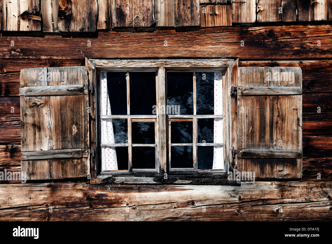 Rustic Old Wooden Shutters Stockfotos & Rustic Old Wooden