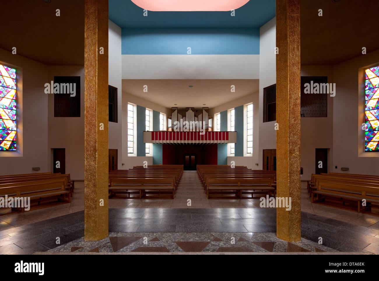 halle saale katholische kirche zur heiligen dreieinigkeit stockfoto bild 66607483 alamy. Black Bedroom Furniture Sets. Home Design Ideas