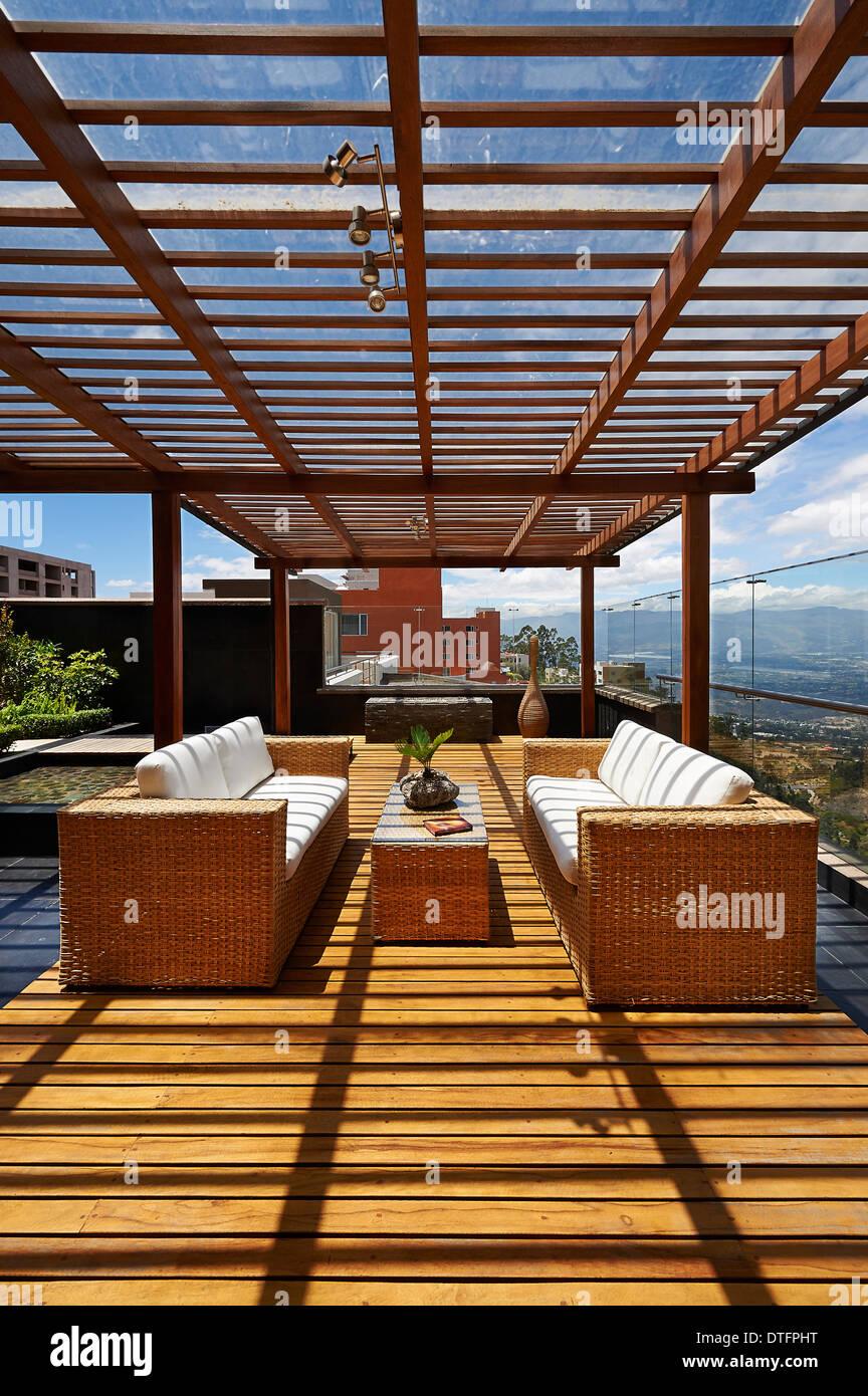 Innenarchitektur schöne Terrassen Lounge mit Pergola ...