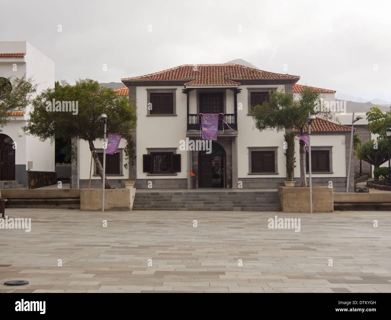 Sitz der Gemeindeverwaltung in Santiago del Teide-Teneriffa-Kanarische Inseln-Spanien Stockbild